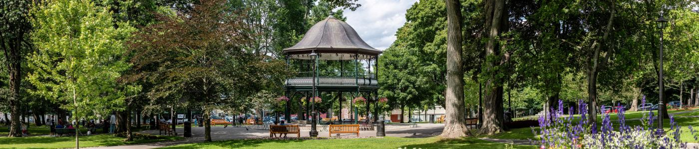 The bandstand and benches at Kings Square